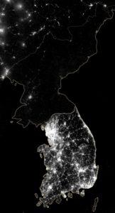 Корейский полуостров ночью