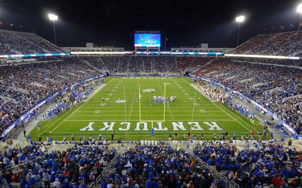 Стадион университета Кентукки
